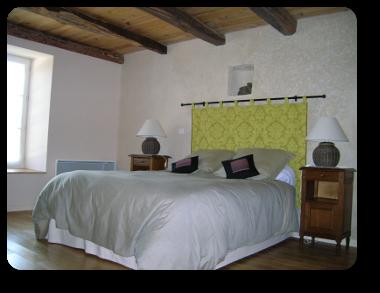 Chambre 1 lit pour 2 personnes 1er étage